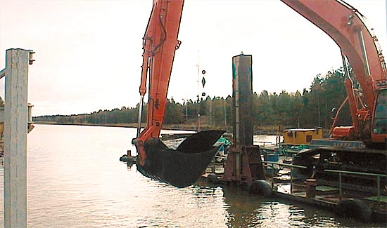 Dredging of the Saimaa Canal, fixing slippages